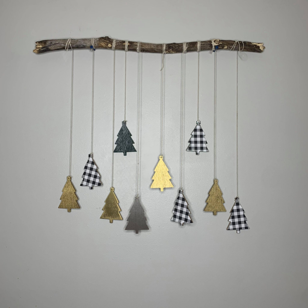 Tree Hanger - Zuri Guerrero